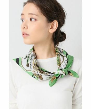 春夏のおしゃれアイテムとして、今季大注目の「スカーフ」。今回はそんなスカーフのオシャレな巻き方・コーディネートなどをご紹介します。色や柄によっても様々な雰囲気が楽しめるスカーフは、春夏コーデにぜひ取り入れたいアイテム。さっそく素敵な巻き方から見ていきましょう♪