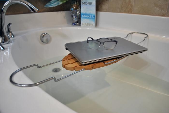 美容法の大定番である、下半身浴。適度に行う分にはいいですが、「長く湯舟に浸かっていなきゃ!」という義務感でやっているならば、続けるべきではないのかも知れません。