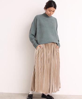 ベロア素材は「おめかしの時だけ」と思っている皆さん、ぜひもっとカジュアルデイリーに、ベロア素材のお洋服を楽しみましょう♪「秋冬しか着られない」と思っている方は、合わせるアイテムをいろいろ試して、ベロアの春まで着回しに挑戦してみてくださいね。