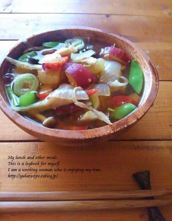 出来上がった「手前味噌」と、こちらも自家製の干し野菜をたっぷり使って「けんちん汁」にしたそうです。手作りの愛情がたっぷりとけ込んだけんちん汁、格別のお味に違いありません!
