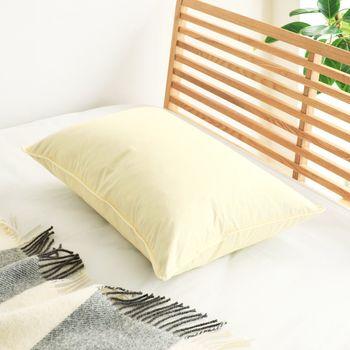 復元性が高く、一年を通して快適な環境を保ってくれるのがフェザーの枕。夏は熱や湿気を逃し、冬には温かさを保ってくれる頼りになるアイテムです。