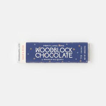 ポートランドの「チャーリーとジェシカ」夫婦が作る「WOODBLOCK CHOCOLATE」のチョコレートは、「エイジング」期間をおき、熟成させたまろやかな味わいが特徴です。