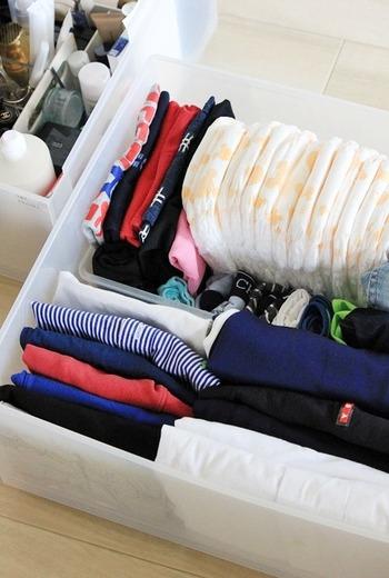 こちらのブロガーさんは帰省時に必要なアイテムを、衣装ケースでひとまとめにして準備されているのだそう。小さなお子様がいらっしゃれば、荷物をまとめるだけでも一苦労!素敵なアイディアですね。  ▲無印良品 衣装ケース
