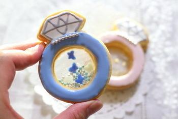 見て楽しく、振って楽しいシャカシャカクッキー。アイディア次第で色々なデザインのクッキーが生まれそうですね。