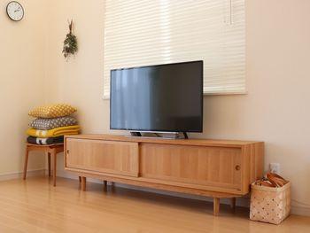 テレビボードやキャビネットの中の引き出しもしっかり活用しましょう。