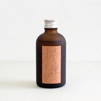 「Babaghuri(ババグーリ)」の杏の種のオイルには、ビタミンA・E、リノール酸、オレイン酸など、お肌に良い成分がたっぷり含まれています。べたつかないので、お風呂上がりにゆっくりボディケアするのにぴったりですね。