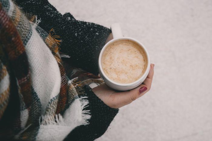 """そんな季節に恋しくなるのが""""ホットドリンク""""です。 あたたかい飲み物が手にあると、なんだかココロまでほっこりしてきますよね。"""