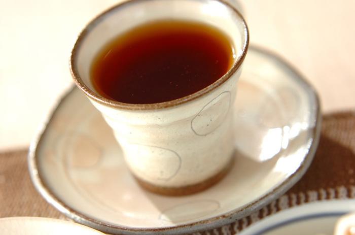 リンゴジャムのフルーティな優しい甘み広がる紅茶ベースのホットドリンク。ジャムの良い香りも楽しみのひとつです。手作りのジャムを使うのもいいですね。