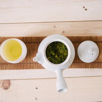 抹茶、ルイボスティなど紅茶以外にもお茶をベースにしたホットドリンクが色々あります。