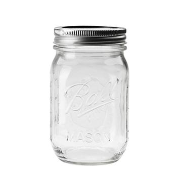 アメリカで販売されてから100年以上の歴史を誇る「メイソンジャー」。可愛いクリアーな容器はお弁当のケースとしても活用できますので、お家にあるという方は是非使ってみて。