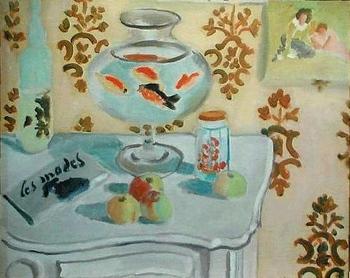 『金魚鉢』(1921-22年)。 ニースにあったマティスのアパルトマンで描かれたとか。あかるい室内、アラベスク風な壁紙、光を受けて透き通るような果物、泳ぐ金魚が動的で、静物画の域を脱しています♪