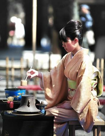"""日本文化に息づく美意識は、大人になった今こそより深く理解できるのではないでしょうか。春から「和の習い事」で日本文化を身につけて、気品あふれる""""大和撫子(ヤマトナデシコ)""""を目指してみませんか?"""