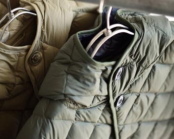 ふんわり温かだけど、もこもこ膨らまず着ぶくれしないと、動きも軽やかでいられます。颯爽と動けるスッキリデザインは着心地がよく長く着ていても疲れにくい◎