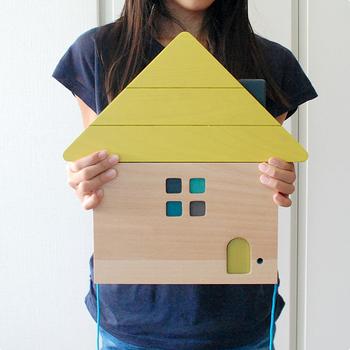 子どもがいるご家庭なら、おしゃれな木製のおもちゃをインテリアグッズとして活用するのもおすすめです。