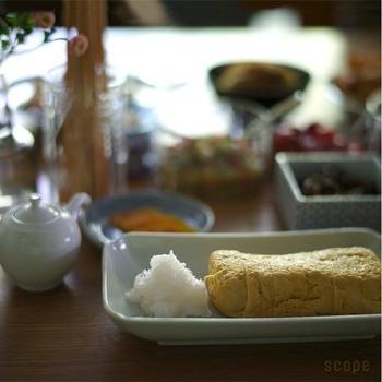 焼き魚、焼きナス、天ぷら、漬物、卵焼きなどを盛り付けて、日本の食卓に大活躍しそうです。