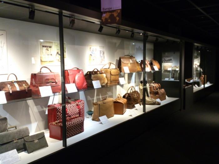 1940年創業の老舗カバン会社「エース」の企業内博物館として誕生したこちらは、世界で唯一のカバンのみを扱う博物館です。ファッションアイテムとしても重要な、世界中のカバンの歴史を豊富な資料とともに分かりやすく学ぶことができます。