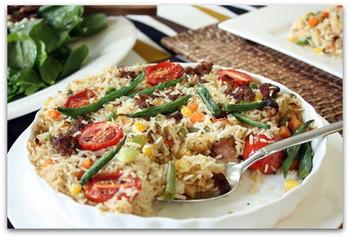 こちらのキャセロールは、お米を使ったパエリア仕立て。パエリアは、フライパンなどで炊くのもいいですが、オーブン焼きもパリッとしていいですね。