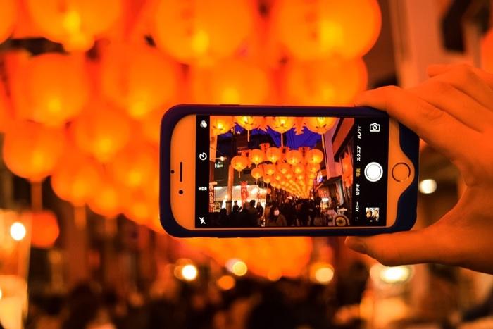 どこを切り取ってもフォトジェニック。記念写真を撮る回数も増えそうですね!今回は、「長崎ランタンフェスティバル」の魅力とイベント&グルメをたっぷりとご紹介します♪