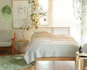 ホワイトとナチュラルが基調となってくるお家が多いとは思いますが、メインカラーやアクセントカラーは好きな色やラッキーカラーを使って、心地良いお部屋づくりをしてみてくださいね。