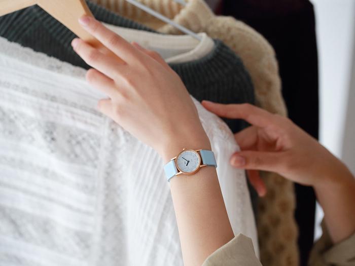 この春は「小さめ」が気分。大人の女性が身に着けたい、小ぶりな『腕時計』
