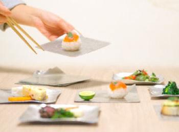 食文化を問わず、食事をとる際にはさまざまなルールがあります。 例えば和食を食べる際。お箸の使い方ひとつとっても、「箸渡し」「刺し箸」「迷い箸」「重ね箸」など多くのタブーがありますし、他にも食べる順番や食器の扱い方、「食べながらしゃべらない」「食べたまま歩かない」などといったマナーも数多くあります。