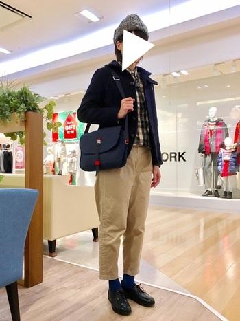 ビルケンシュトックのデザインだから、もちろんカジュアルな服装にもOK。足元がカチッとしていると上品に見えますね。