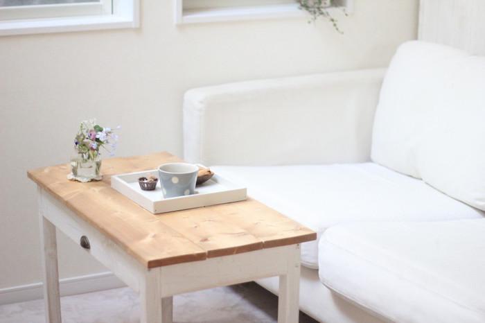 お気に入りのカフェテーブルが見つからない場合は、ホームセンターや100円均一で材料を買ってDIYしてみてはいかがでしょうか?意外と簡単にできるのでおすすめですよ。