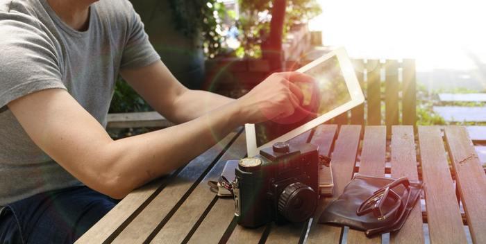 天気の良い日は大切な人と一緒に自宅の外でカフェタイムを過ごすのも◎ この後のお出かけの相談も、心地よい空気の中ですればより素敵な1日になりそうですね。