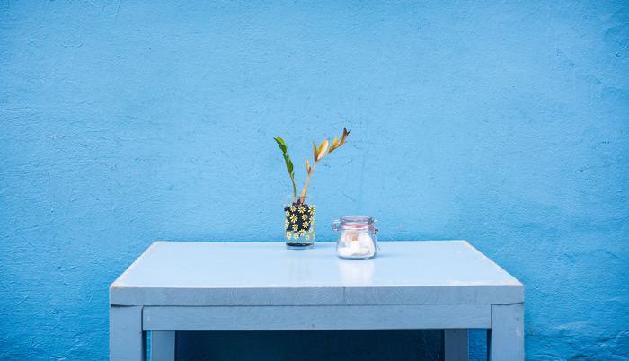 ブルーで統一されたカフェスペースも素敵。ブルーにはリラックス効果もあると言われていますので、よりくつろぎのカフェタイムを過ごせそうですね。