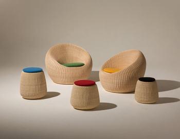 剣持勇(けんもちいさむ)もまた、日本インテリア界の黎明期を築いたデザイナー。ホテルのラウンジ用の椅子として作られたもので、「ラウンジチェア」と呼ばれ親しまれています。スツールタイプも展開していて、こちらは玄関などに置いてもよさそうですね。
