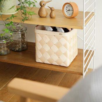 フィンランドから届くハンドメイドで温もり感のある白樺バスケット。使いやすい型で入れる物を選ばず、キッチン収納も素敵に見せてくれます。