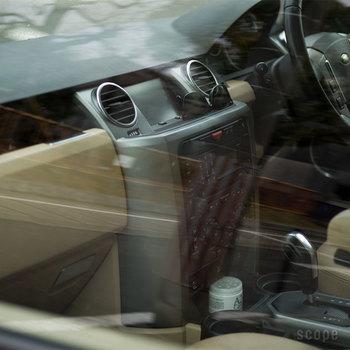 締めきりがちになる車の消臭にもA2Careは大活躍。ジェルタイプなら、ポンと置いておくだけで効果を発揮してくれます。