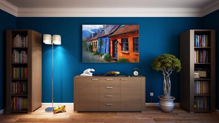 お部屋の一面だけ色を加えると、それだけでとってもお洒落。海外インテリアではメジャーなアクセントクロスですが、日本の住宅でも手軽に楽しむことができますよ。