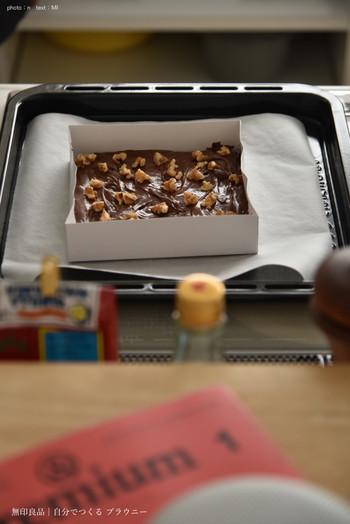 生地を混ぜ合わせたら、付属の型に入れてあとは焼くだけ!お菓子作り初心者さんでもこれなら挑戦できますよね!