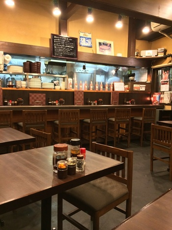 お席は全部で20席ほど。洋食屋さんというより定食屋さんといった雰囲気ですが、オムライスのほか、ビーフシチューやエビフライなどにも定評があります。