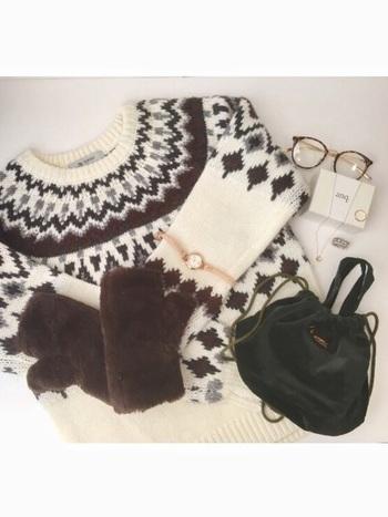 ニットの日頃のお手入れ方法をご紹介しましたが、いかがでしたか? 普段からのちょっとの心がけで、お気に入りの1枚をより長く着ることができます。 冬のおしゃれをたくさん楽しむためにも、大切にお手入れしたいですね。
