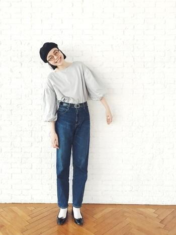 Tシャツにデニムのカジュアルコーデもバレエシューズを合わせるだけで、華奢でフェミニンな印象に。そんな女子力アップに力を貸してくれるバレエシューズを取り入れた素敵なコーディネート達をご紹介します。