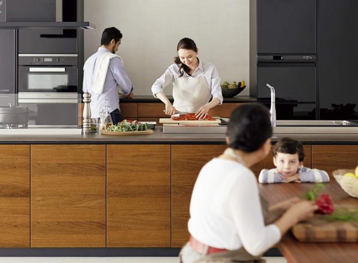 家族はもっと仲良くなれる。「一家団らん」 したくなるおうちの「中心」の作りかた