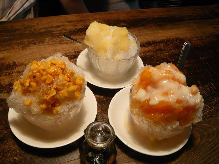 夏季限定の個性的なお味のかき氷も人気です。店主の気分で開発されるお味は…焼とうもろこし・カレーMK・ルバーブなどなど独創的ですが、大350円小250円なので多少の冒険はご愛敬。果物を使ったいちご、ぶどうなどもありますのでご安心を。