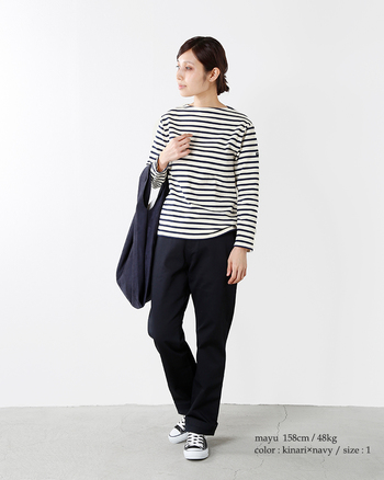 春の定番マリンスタイルに欠かせない「ボーダートップス」。春先は何を着たらいいのか迷いがちですが、シンプルで上質なボーダーカットソーが一枚あると便利です。