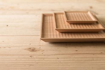 ほっこり感のある木の器があれば、和カフェ風のテーブルコーディネートが簡単に完成しますよ。
