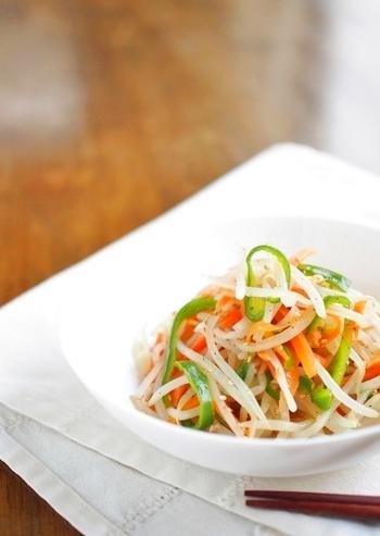 もやしを取り入れて、いろいろなレシピにチャレンジしてみてください♪野菜の価格が高騰している今こそ、もやしの取り入れどきです!普段あまりもやしを食べないという方も、お好みのレシピに出会えると良いですね…*