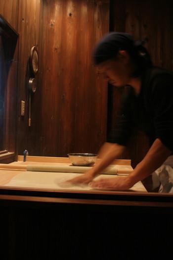 自家挽蕎麦と店主渾身の手打ち蕎麦をいただくことができ、ミシュラン1つ星を獲得している名店がこちらの「梵蔵 自家挽工房」です。