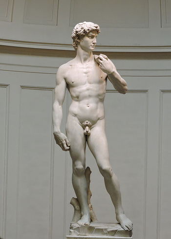 アカデミア美術館には、ミケランジェロ・ブオナローティの傑作、ダビデ像が展示されています。大理石で造られたダビデ像は、高さ5.17メートルにも及び、ルネッサンス期の作品においても特に有名な作品の一つとされています。