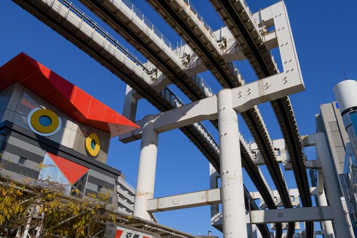 東京からJR総武・成田線快速で約40分の距離にある千葉駅。JRの他に京成千葉線や千葉モノレールなど交通の便も良く、駅付近にはショッピングスポットや観光スポットもいっぱいあります。
