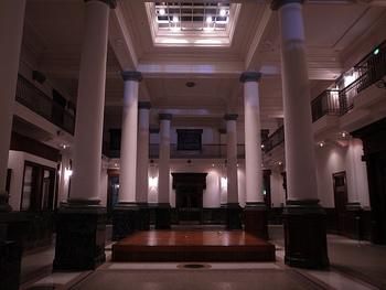 1995年に開館したこちらの美術館は、中央区役所との複合施設として建築され、建物の1-2階のさや堂ホールは、昭和2年に建てられたネオ・ルネサンス様式の旧川崎銀行千葉支店の建物を改修して作られており、イベントやコンサートが開催されることも。