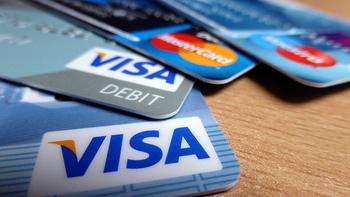 スウェーデンでは、小額の場合でも、大抵のお店でVISAかMasterCardのクレジットカードが使えます。旅行に行く前にクレジットカードを作って持っていくことをおすすめします。