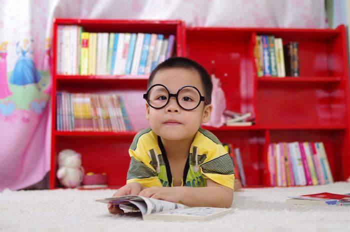 英語を正確に勉強することよりも、英語を聞くこと、話すこと、コミュニケーションをとることって「楽しい!」と思ってもらうことが子供の英語教育で何より大切なことです。お子さんを英語好きに育てて、世界をまたにかける国際人になる土台を作ってあげてくださいね。