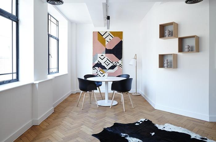 """お部屋づくりの初心者さんへ。""""広く素敵にみせる""""ための《家具配置・収納ルール》"""
