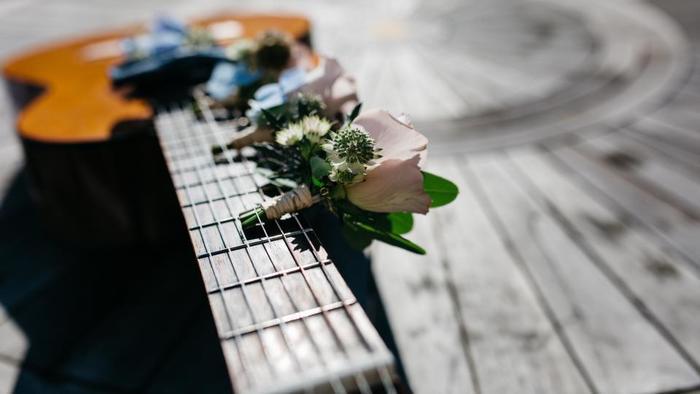 可愛すぎるミニチュア花束。捨ててしまうはずだった切花を集めても良いですね。お手紙に添えたり、メインの花束のおまけにしても喜ばれそう。